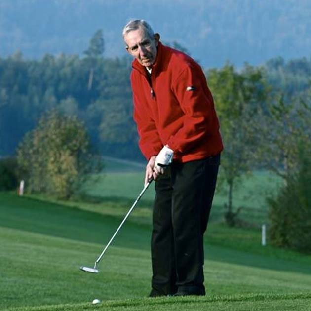 Terry Golfing again after Vascular Sports Medicine Intervention